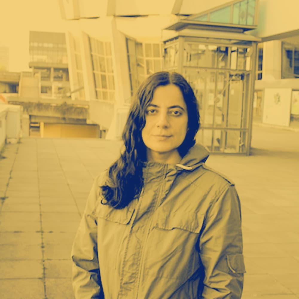 Lütfiye Güzel: Elle-Rebelle. Poetry auf Handzetteln in Butterbrottüten